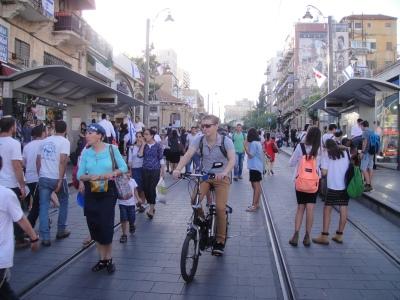 La rue Yaffo, piétonne pour